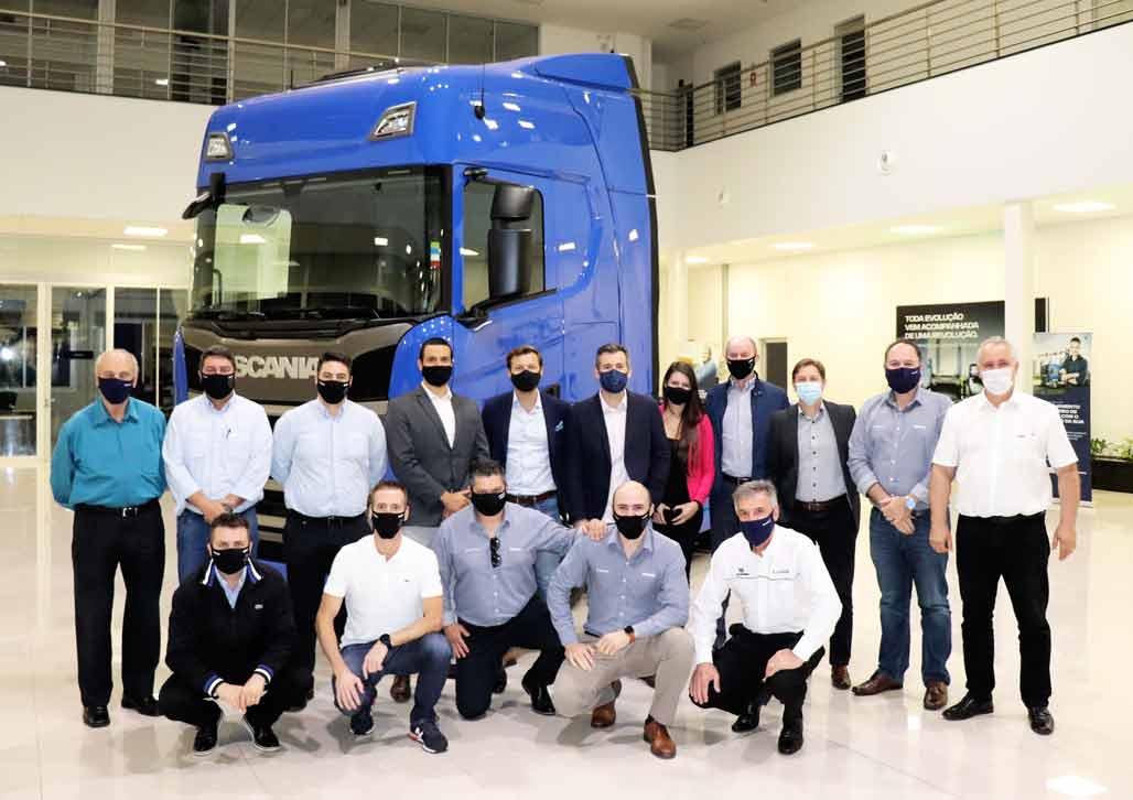 Brasdiesel Caxias do Sul recebe a visita da equipe da Diretoria de Soluções Financeiras da Scania Brasil